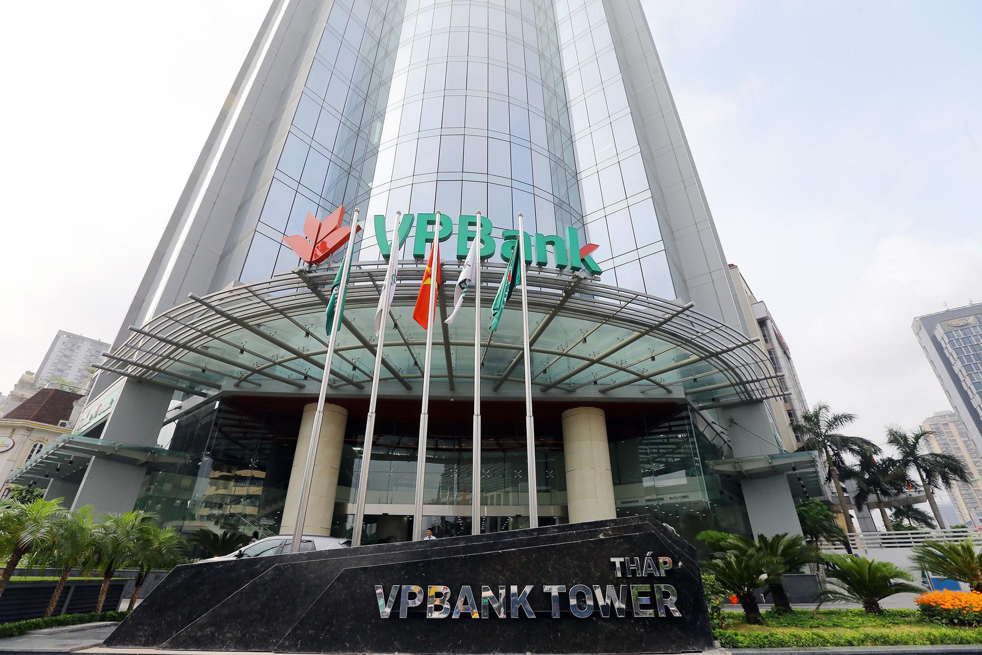 Doanh thu 6 tháng VPBank tăng 22,5%, lãi đầu tư chứng khoán tăng 60% - Ảnh 1.