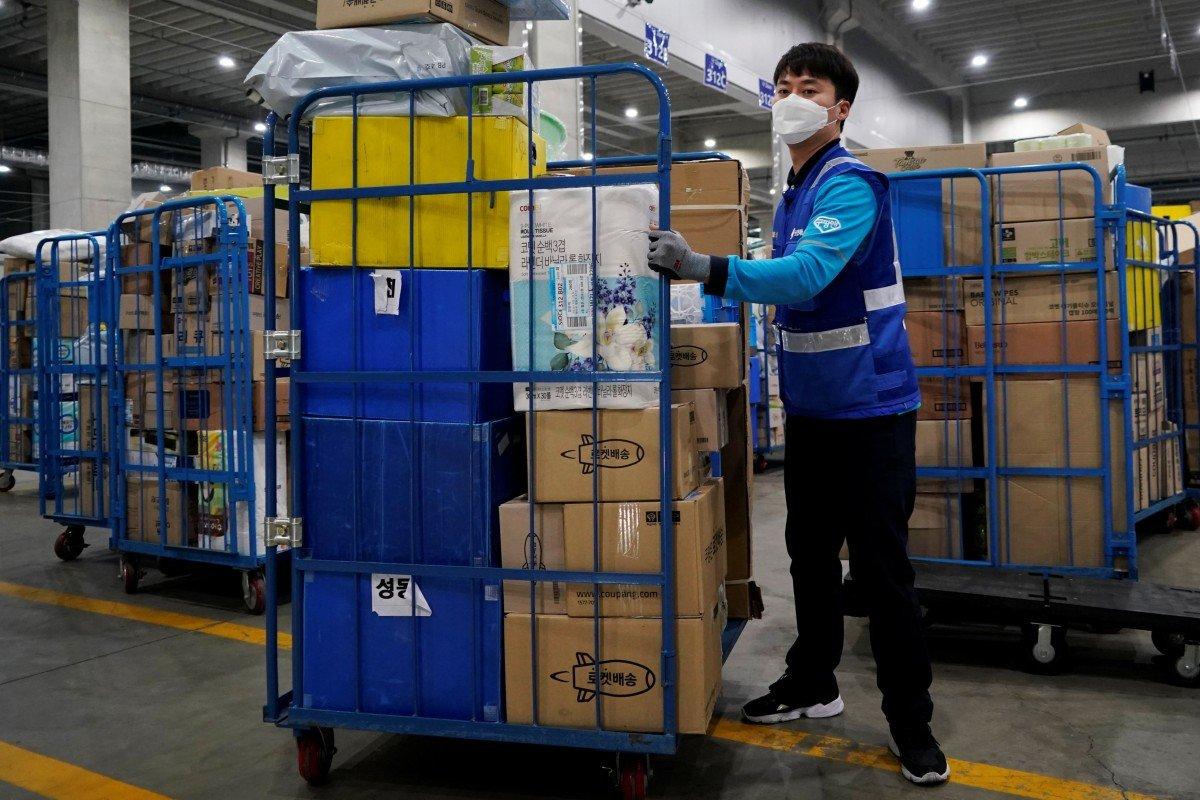 Đằng sau thành công của 'Amazon Hàn Quốc', nơi công nhân bị coi như tay chân của AI - Ảnh 5.