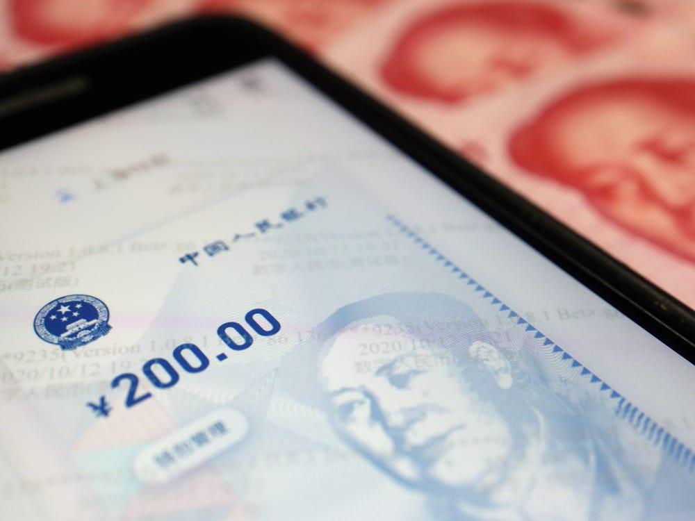 Đồng nhân dân tệ số ghi nhận 5 tỷ USD giá trị giao dịch - Ảnh 1.