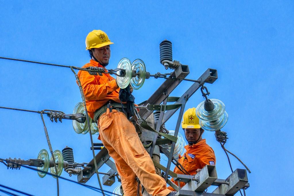 Thực hiện giãn cách xã hội, tiêu thụ điện miền Nam giảm 16% - Ảnh 1.