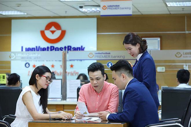Thu từ dịch vụ của LienVietPostBank tăng 86% trong nửa đầu năm - Ảnh 1.
