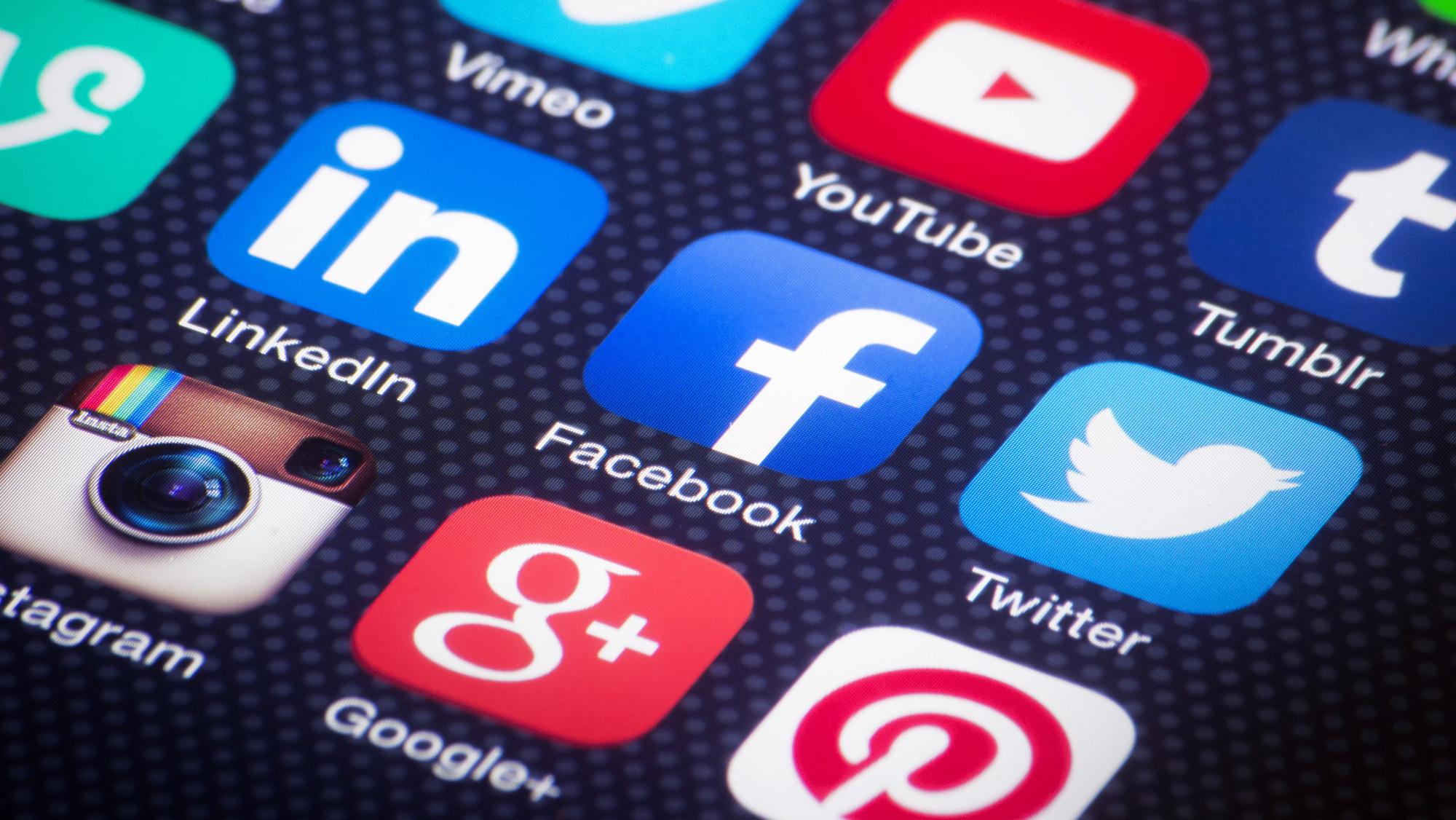 Chính thức siết hoạt động quảng cáo trên Youtube, Facebook tại Việt Nam từ 15/9 - Ảnh 1.