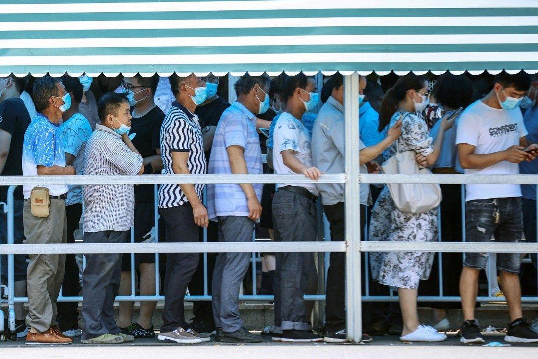 Trung Quốc xét nghiệm 9 triệu dân sau khi phát hiện ổ dịch mới - Ảnh 1.
