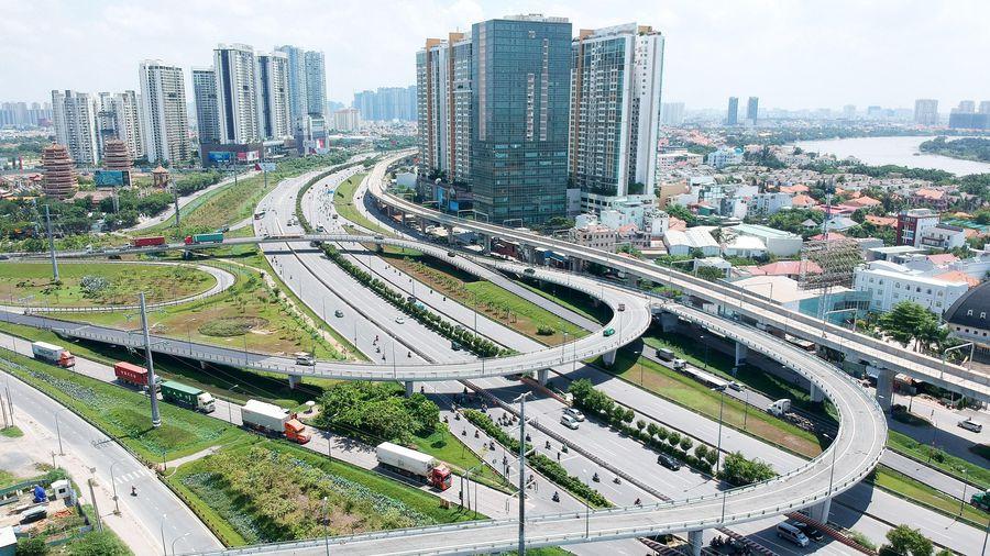 Phát triển liên kết vùng và khu kinh tế là động lực tăng trưởng giai đoạn 2021-2025 - Ảnh 1.
