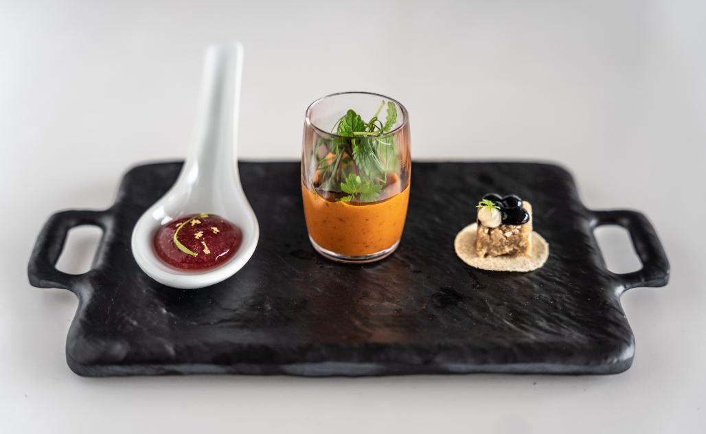 Vĩnh Hoàn rót vốn vào startup sản xuất thịt tôm nhân tạo tại Singapore - Ảnh 1.