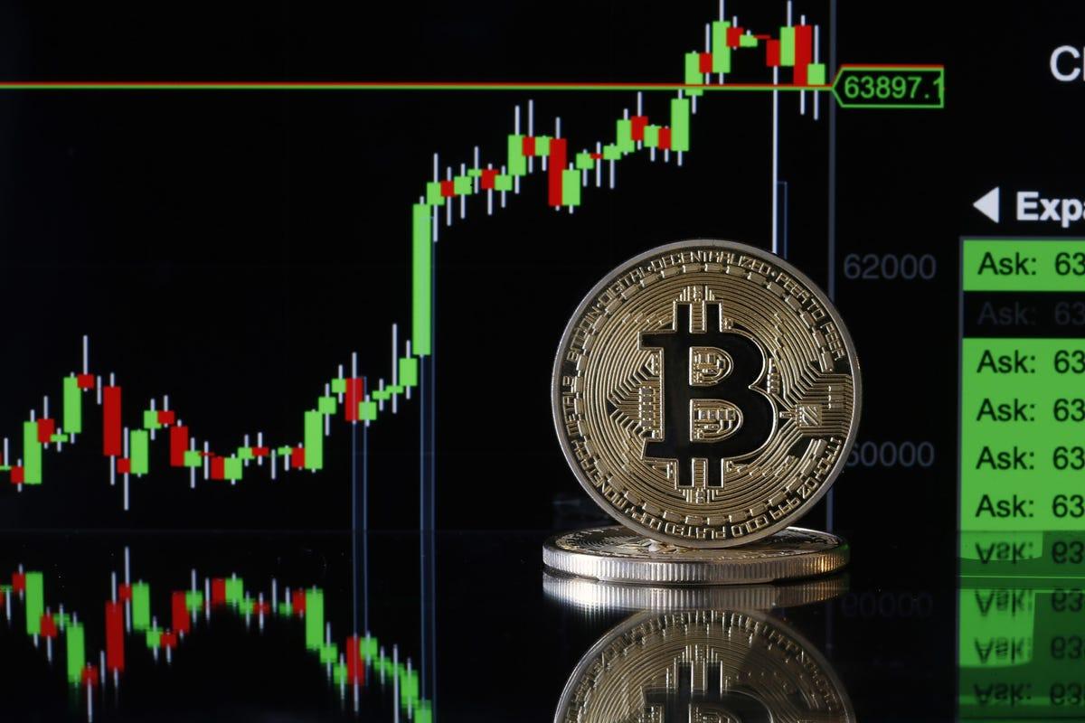 3 lý do khiến bitcoin khó có thể tăng lại mức 40.000 USD - Ảnh 1.