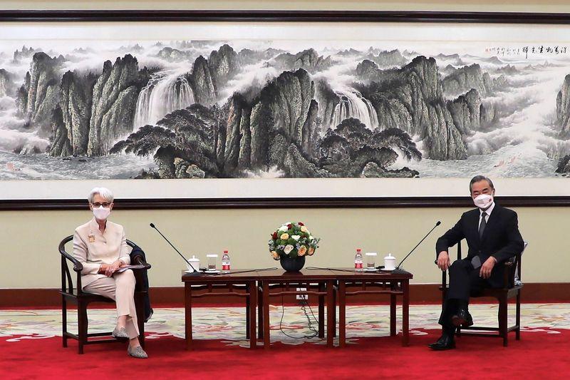 Dẫu tranh cãi nảy lửa tại Thiên Tân, quan chức Mỹ - Trung vẫn chừa đường lui cho tương lai - Ảnh 1.