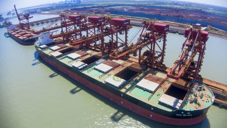 Chuyên gia chỉ ra hai yếu tố có thể kìm hãm đà tăng trưởng nóng của cước vận tải biển - Ảnh 1.