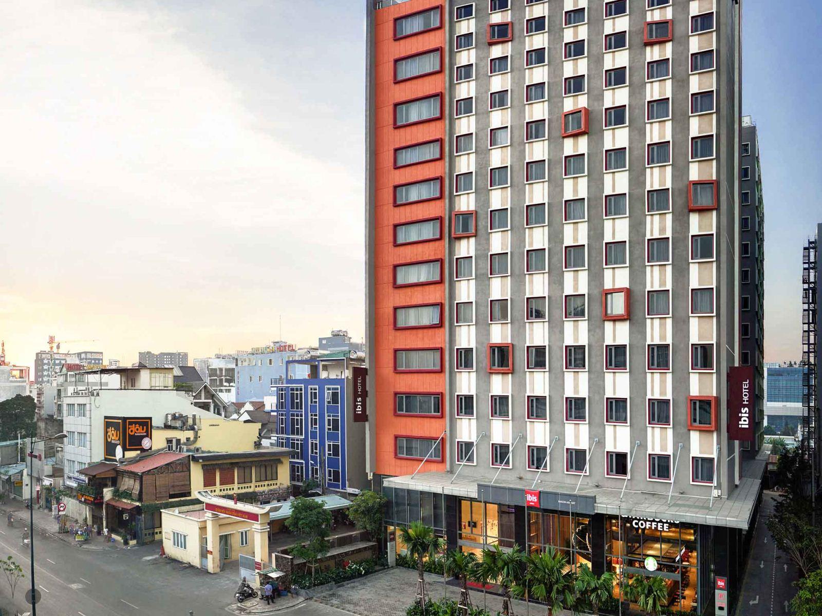 Nhu cầu khách sạn cách ly tại TP HCM đang tăng cao - Ảnh 1.