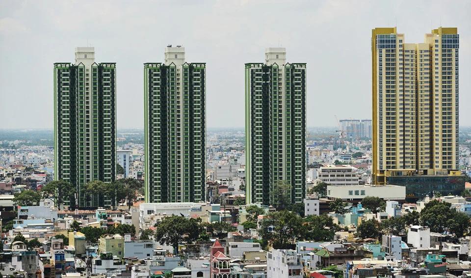 TP HCM lập 5 bệnh viện dã chiến chống COVID-19, trong đó có Thuận Kiều Plaza - Ảnh 1.