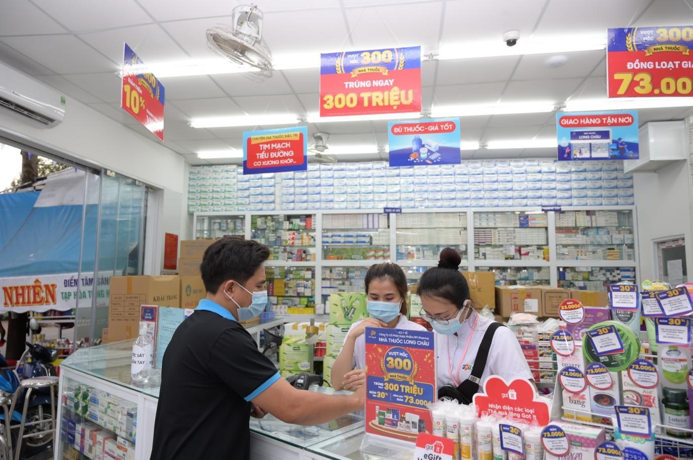 Hệ thống nhà thuốc FPT Long Châu bứt phá mở thêm 100 nhà thuốc trong vòng 6 tháng - Ảnh 2.