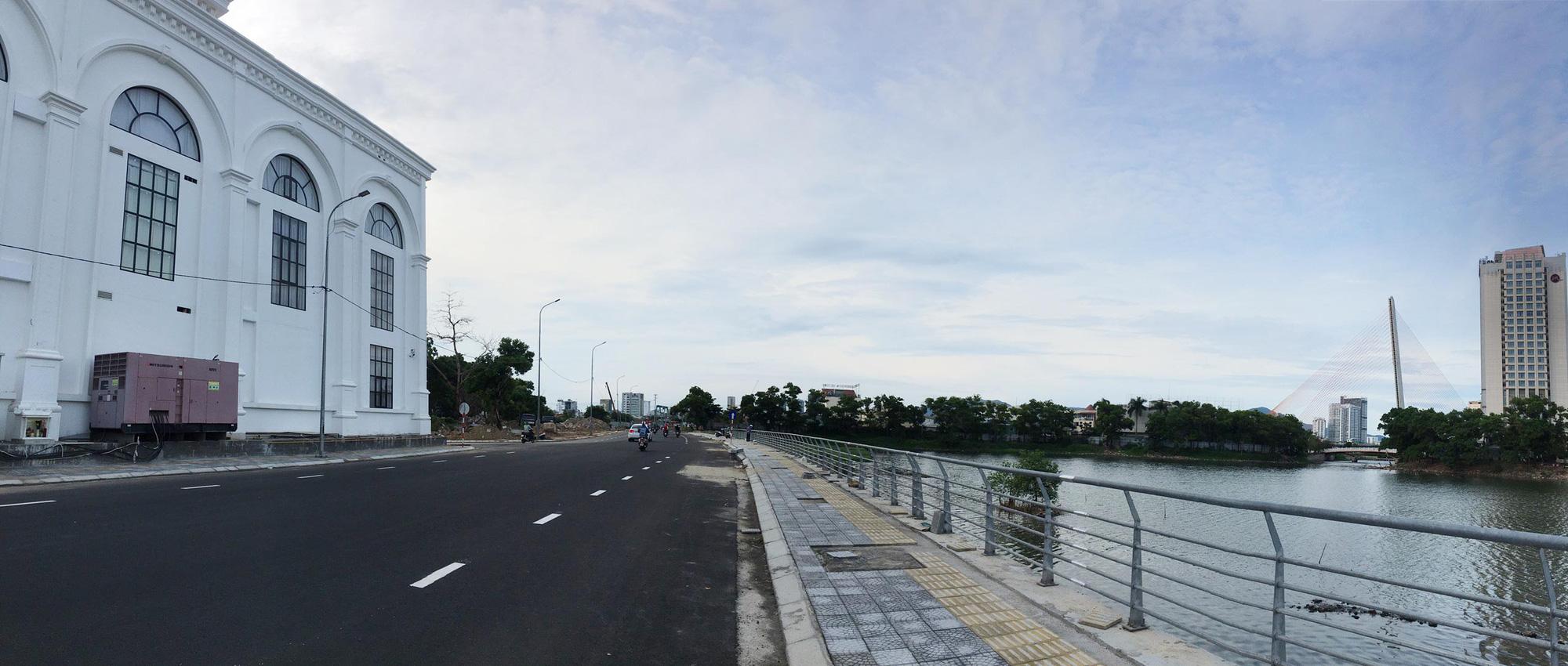 Cầu vượt đường 2 tháng 9 Đà Nẵng thành hình sau 15 tháng thi công - Ảnh 13.