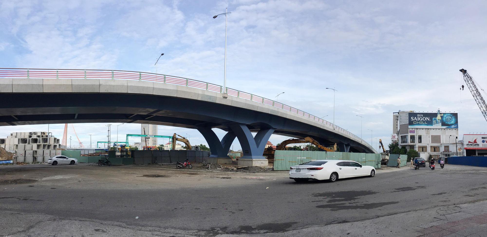 Cầu vượt đường 2 tháng 9 Đà Nẵng thành hình sau 15 tháng thi công - Ảnh 7.