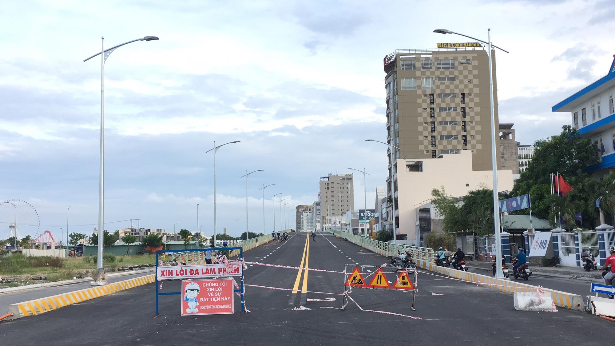 Cầu vượt đường 2 tháng 9 Đà Nẵng thành hình sau 15 tháng thi công - Ảnh 2.