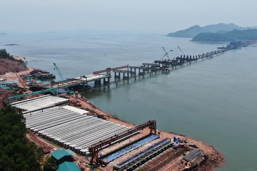 Dự kiến thông tuyến cao tốc Vân Đồn - Tiên Yên vào cuối năm - Ảnh 1.