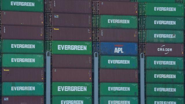 Không chỉ ở Trung Quốc, cảng biển tại Mỹ cũng kẹt cứng - Ảnh 2.