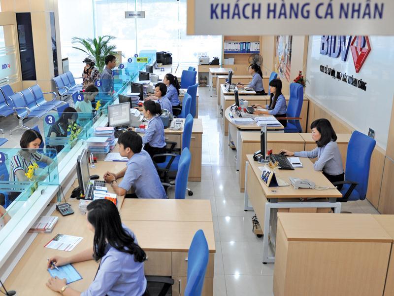 Biên lãi ròng của ngân hàng Việt cao hay thấp so với khu vực? - Ảnh 1.