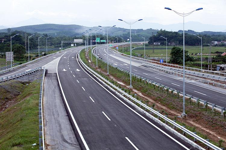 Tập đoàn Đèo Cả được vay 80 triệu USD làm dự án BOT đoạn Cam Lâm - Vĩnh Hảo