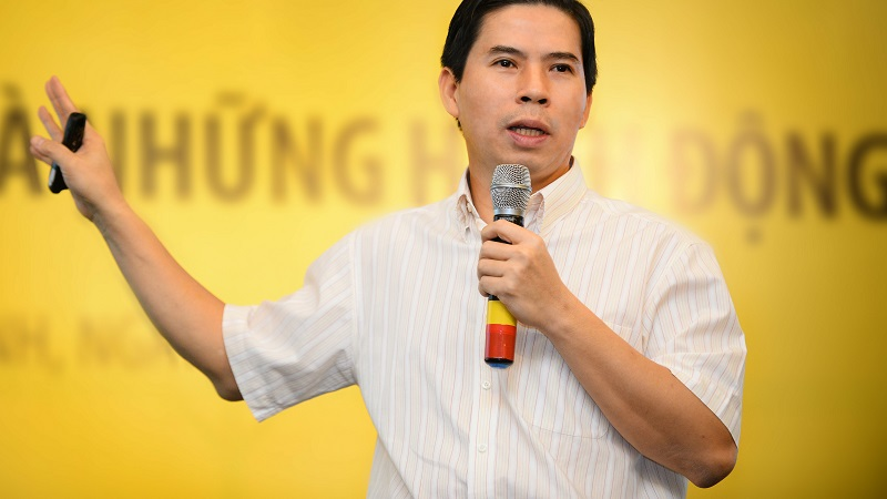 Ông Nguyễn Đức Tài lần đầu lên tiếng sau sự cố Bách Hoá Xanh, sẽ chi hàng nghìn tỷ làm tem giá điện tử - Ảnh 1.