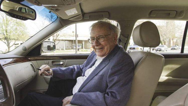 Xế hộp đi làm của những tỷ phú giàu nhất thế giới: Jeff Bezos, Warren Buffett mê đồ cổ, Bill Gates, Elon Musk tín đồ siêu xe - Ảnh 5.
