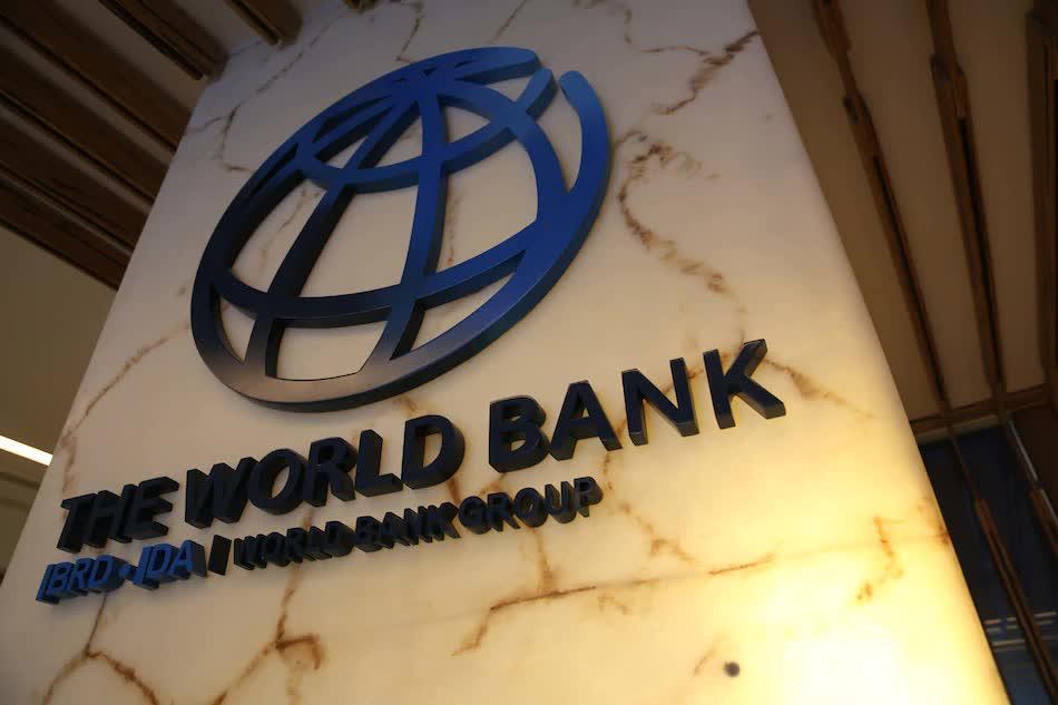 World Bank: Việt Nam nên thận trọng với rủi ro nợ xấu trong tương lai - Ảnh 1.