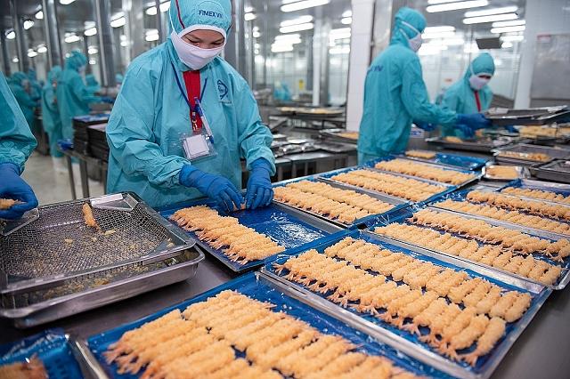 Sao Ta: Doanh số tiêu thụ tôm trong tháng 7 chỉ tăng 9% do thiếu hụt hàng cung ứng - Ảnh 1.