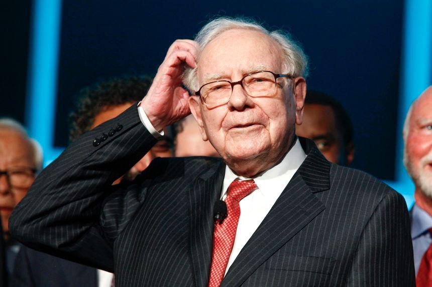Warren Buffett, kiểu tóc 300.000 USD và bí quyết tích lũy 100 tỷ USD - Ảnh 1.