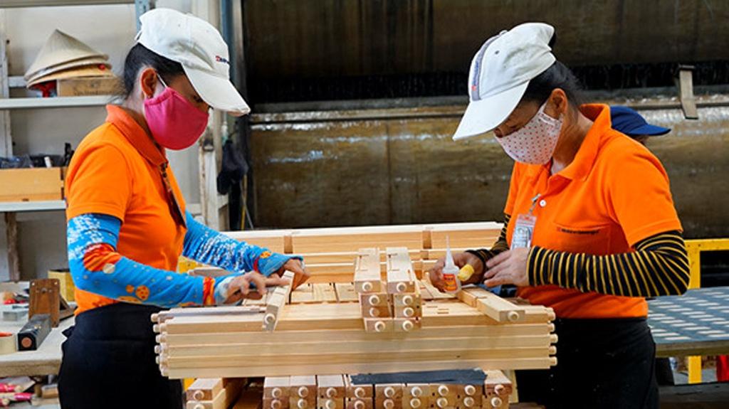 Xuất khẩu tăng trưởng vượt bật, doanh nghiệp gỗ có sống tốt giữa đại dịch? - Ảnh 2.