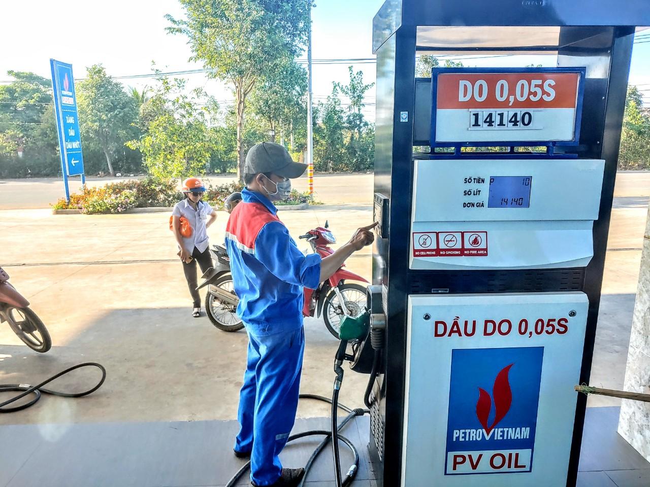 PV OIL lỗ trước thuế 17 tỷ đồng trong tháng 7 và 8 - Ảnh 1.