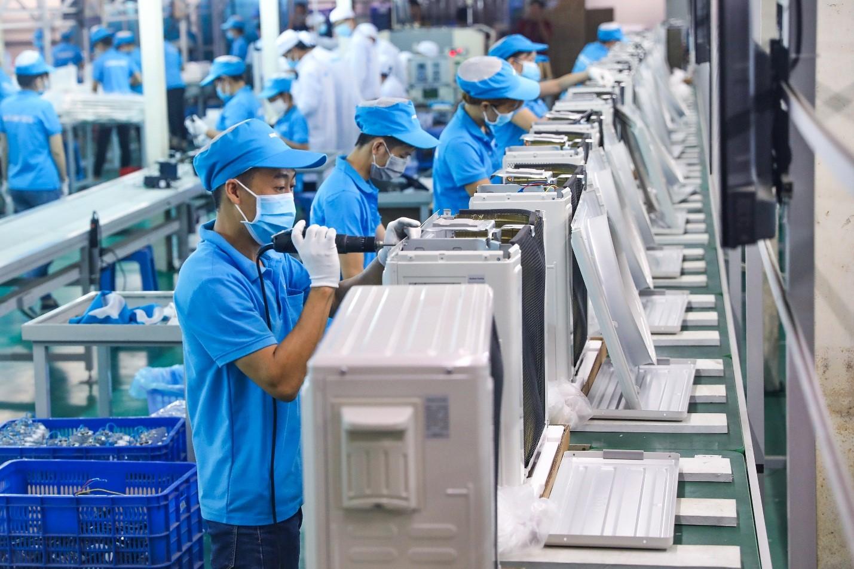 Việt Nam mở cửa lại nền kinh tế: Cần 'bản đồ' để doanh nghiệp biết sẽ đi đâu về đâu - Ảnh 2.