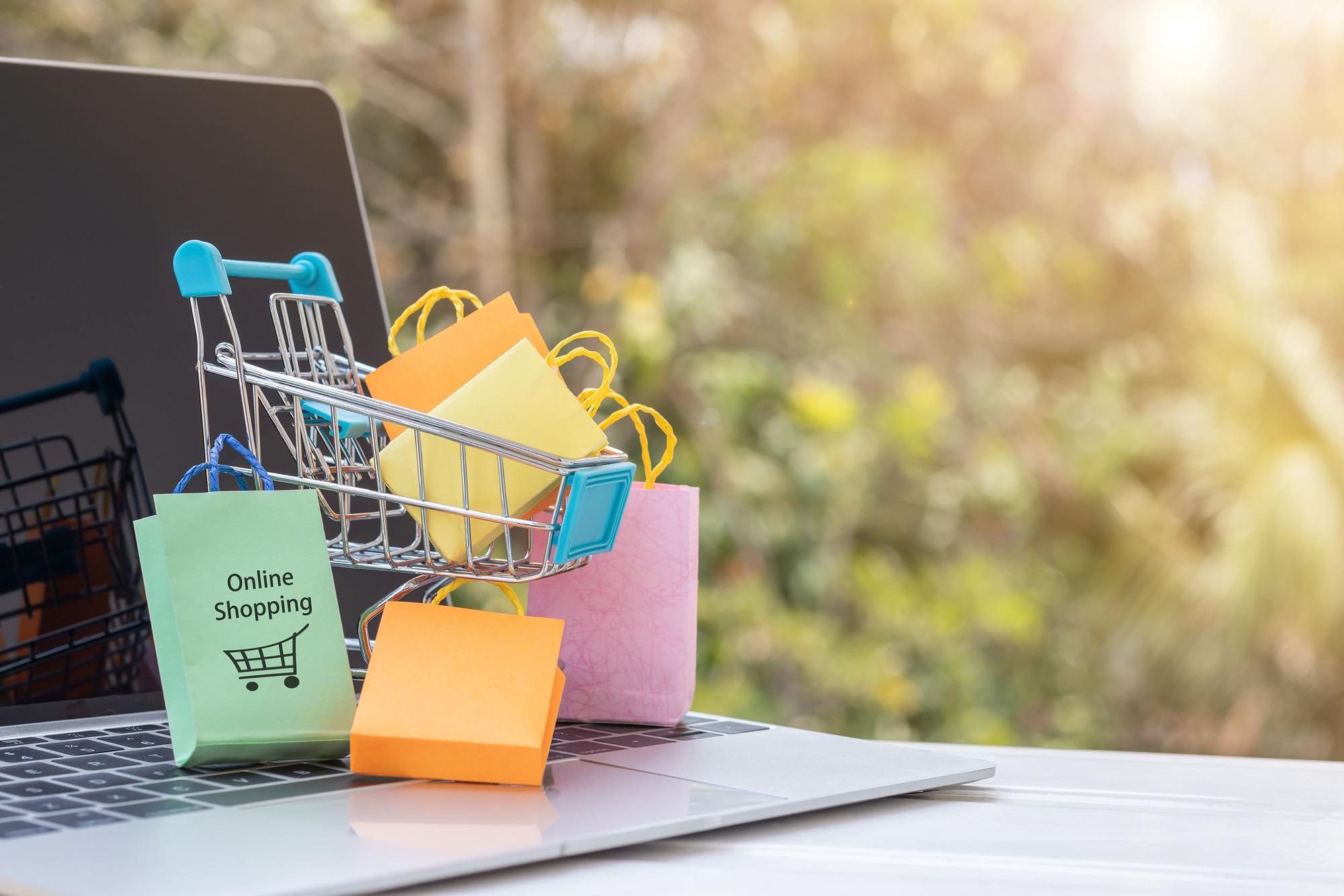 Những mẹo có thể giúp bạn kiềm chế thói quen mua sắm bốc đồng - Ảnh 1.