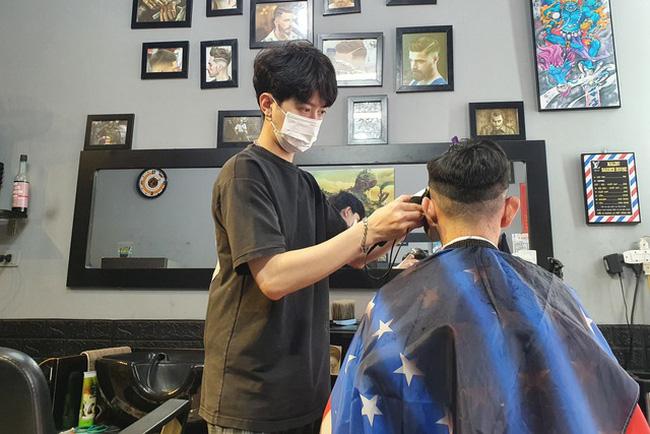 Hà Nội: Quán cắt tóc, gội đầu, quán ăn được mở cửa trở lại từ 6h ngày 21/9 - Ảnh 1.