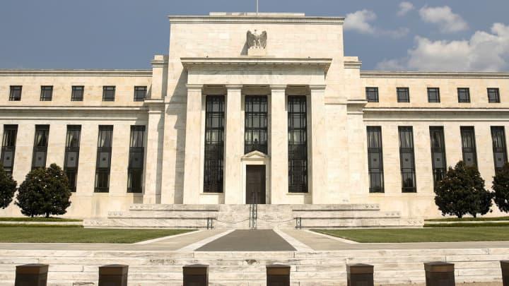Một nửa thành viên Fed kỳ vọng lãi suất được nâng vào năm sau - Ảnh 1.