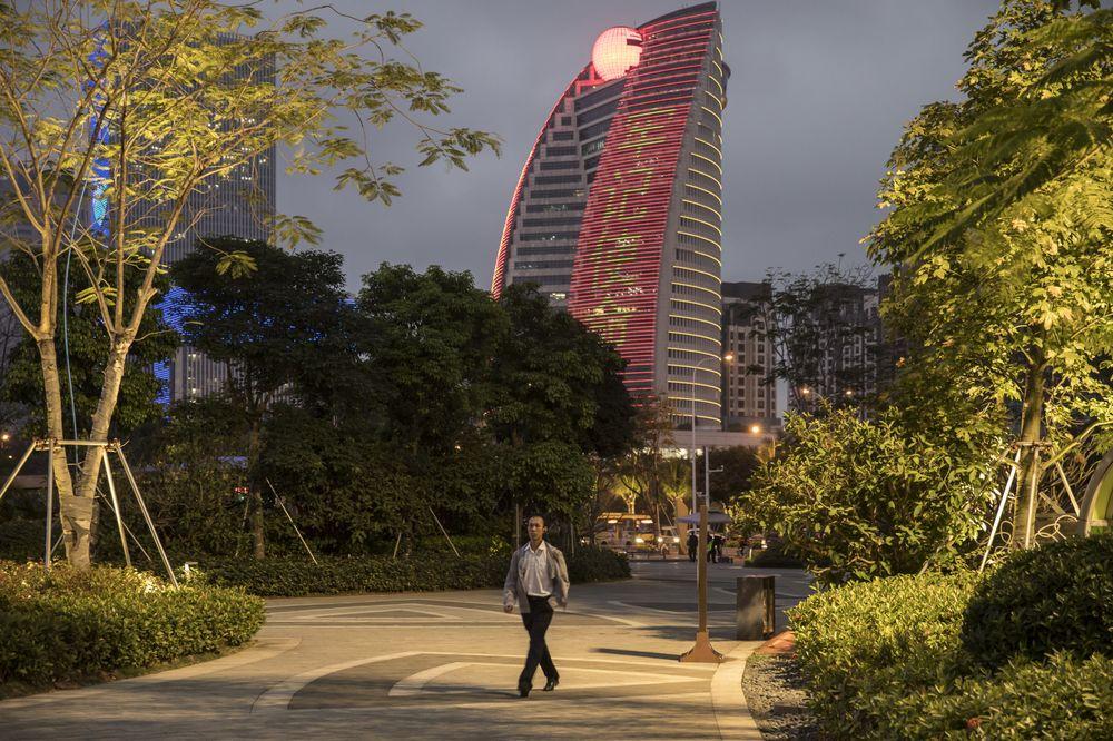 Cú ngã ngựa Chủ tịch HNA kết thúc tham vọng chinh phục thế giới của doanh nghiệp Trung Quốc - Ảnh 1.