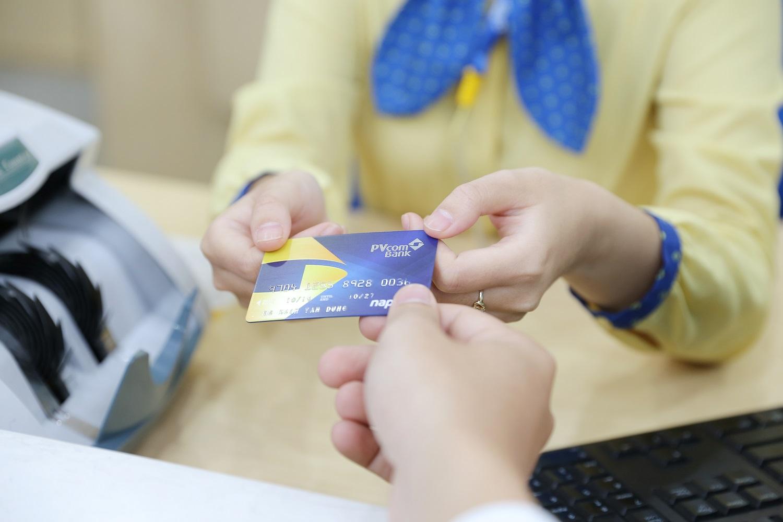 PVcomBank tiếp tục khẳng định vị thế trên thị trường bằng ba giải thưởng quốc tế - Ảnh 3.