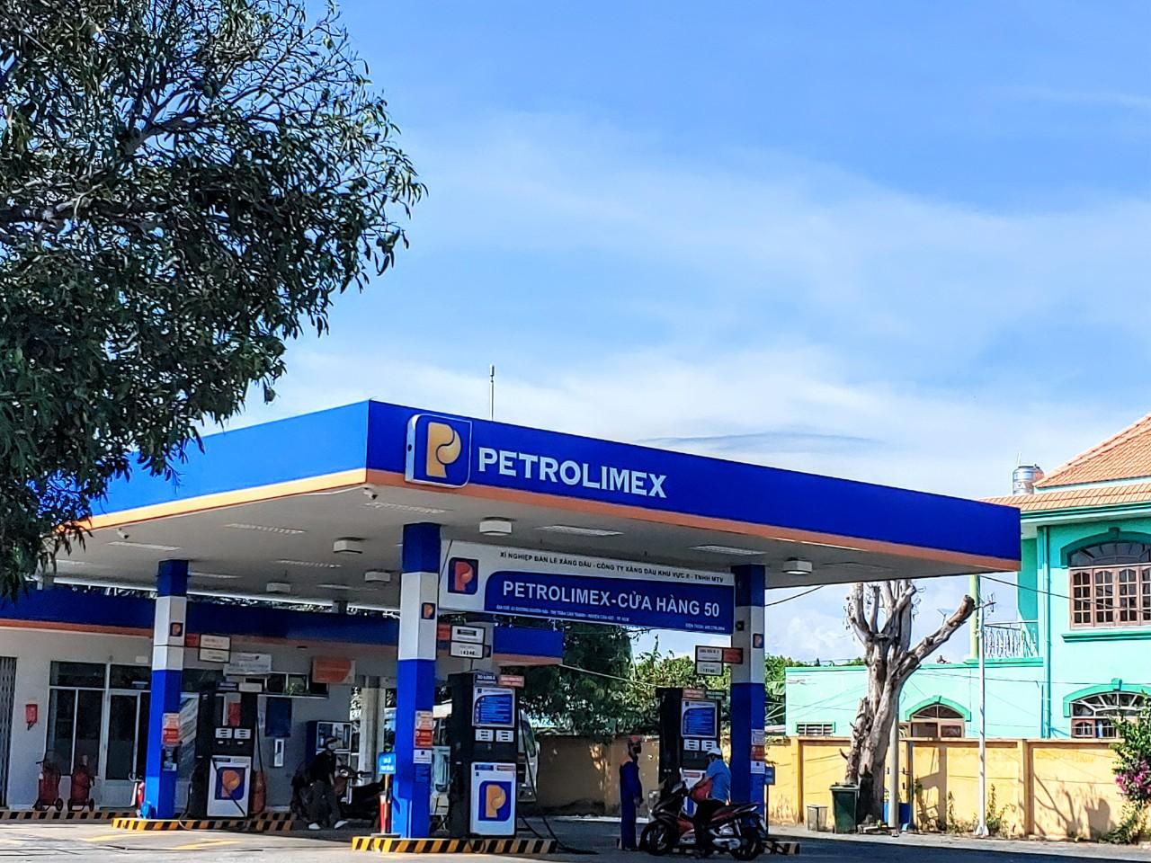 Petrolimex chỉ bán được 1/5 cổ phiếu quỹ đăng ký, thu về gần 100 tỷ đồng - Ảnh 1.
