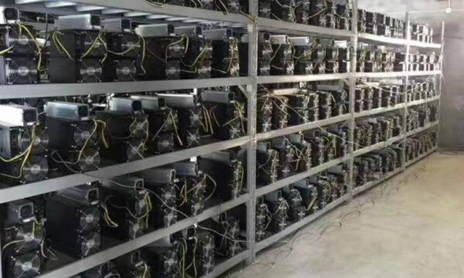 Nhu cầu máy đào bitcoin ở Việt Nam tăng theo giá bitcoin - Ảnh 1.