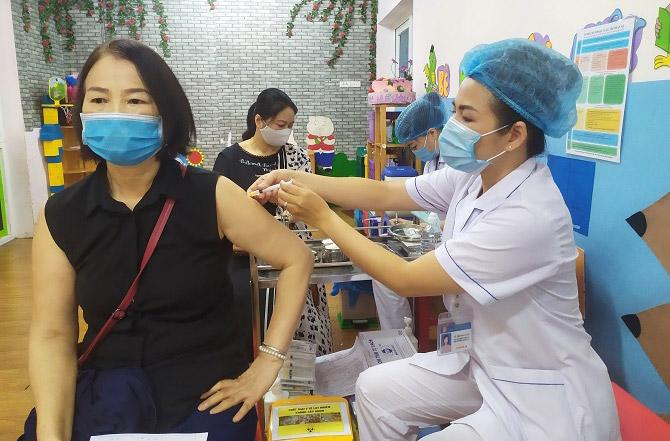 Hà Nội lên kế hoạch phân bổ 1 triệu liều vắc xin VeroCell - Ảnh 1.