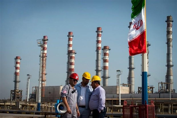Iran lên kế hoạch xây dựng kho cảng dầu mới ngoài vùng Vịnh - Ảnh 1.