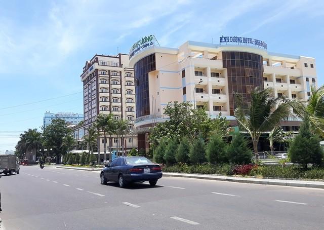 Bình Định: Sớm dời 3 khách sạn che khuất tầm nhìn ra biển Quy Nhơn - Ảnh 1.