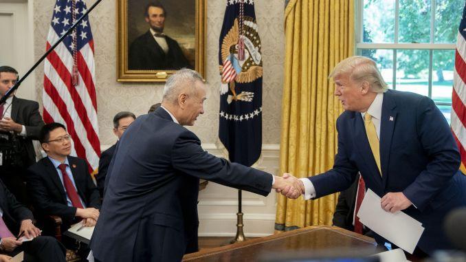 Mỹ-Trung đat 'thỏa thuận thương mại lớn lao': Đồng ý mua 40-50 tỉ USD nông sản và hoãn tăng thuế - Ảnh 1.