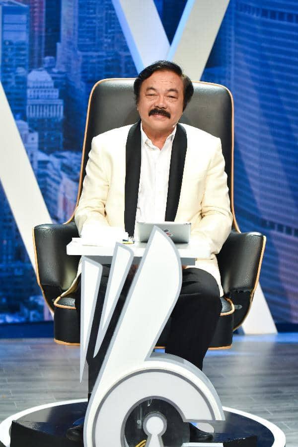 Bất ngờ tham gia show truyền hình Whose Chance, doanh nhân Trần Quí Thanh tìm tài năng cho Tân Hiệp Phát - Ảnh 1.