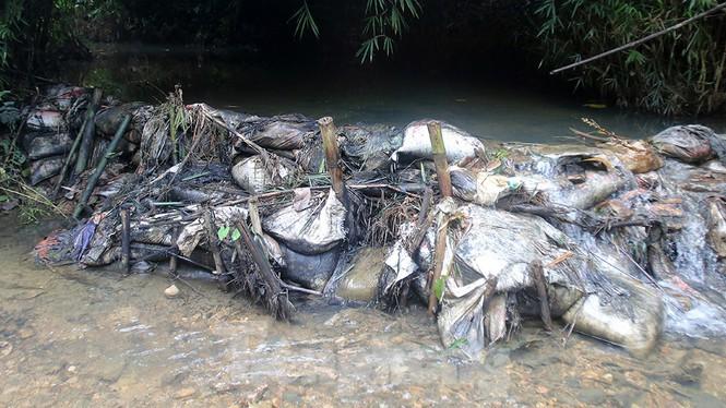 Kết quả xét nghiệm nước sông Đà: Có chỉ số vượt ngưỡng - Ảnh 1.