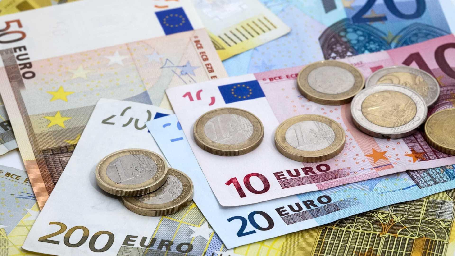 Tỷ giá đồng Euro hôm nay (14/10): Tăng, giảm trái chiều tại các ngân hàng - Ảnh 1.