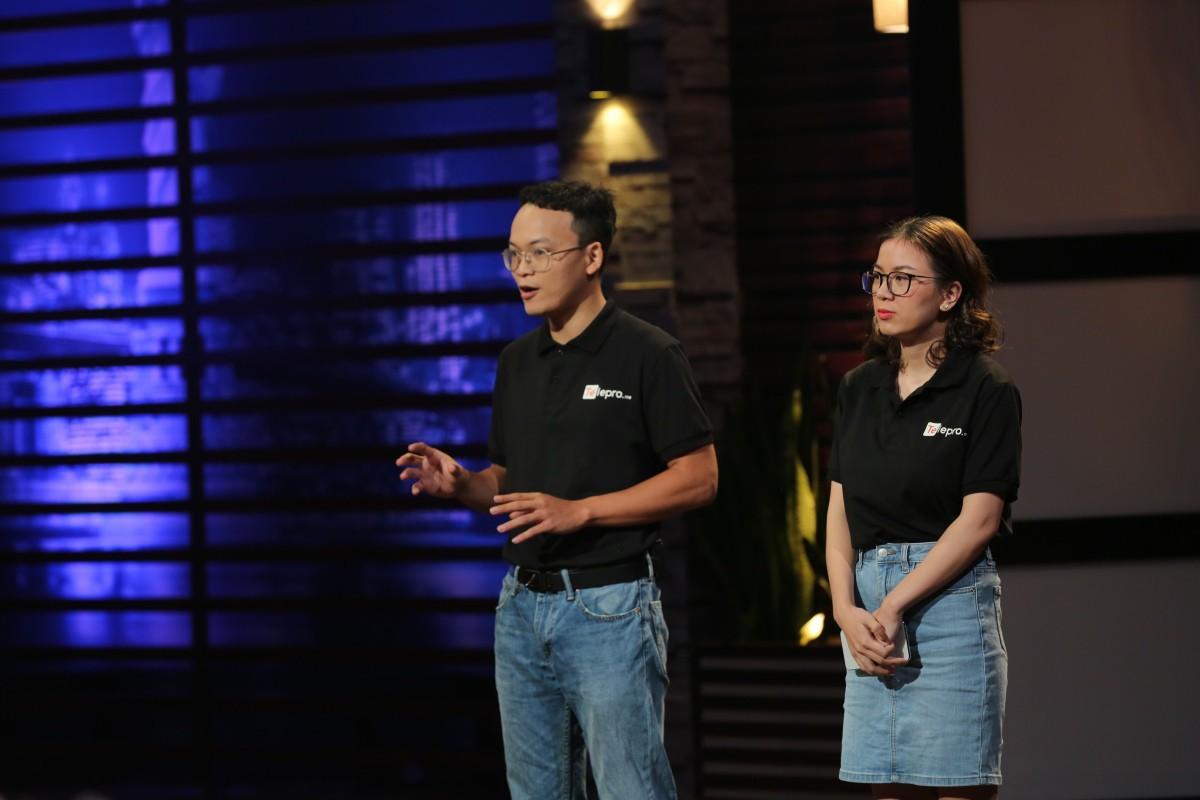 Gọi vốn 1 triệu USD trên Shark Tank Việt Nam, nền tảng 'Uber cho tele-marketing' khiến hai người tranh giành  - Ảnh 1.