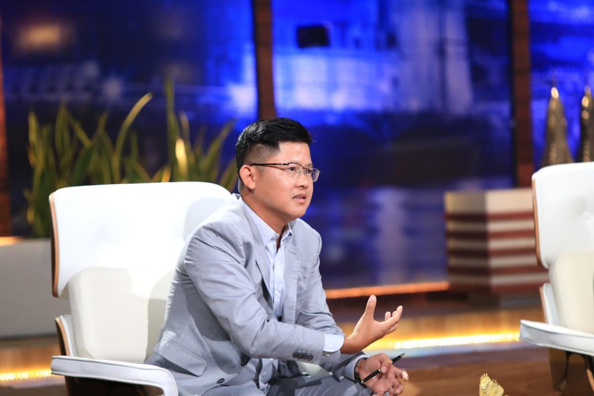 Gọi vốn 1 triệu USD trên Shark Tank Việt Nam, nền tảng 'Uber cho tele-marketing' khiến hai người tranh giành  - Ảnh 2.