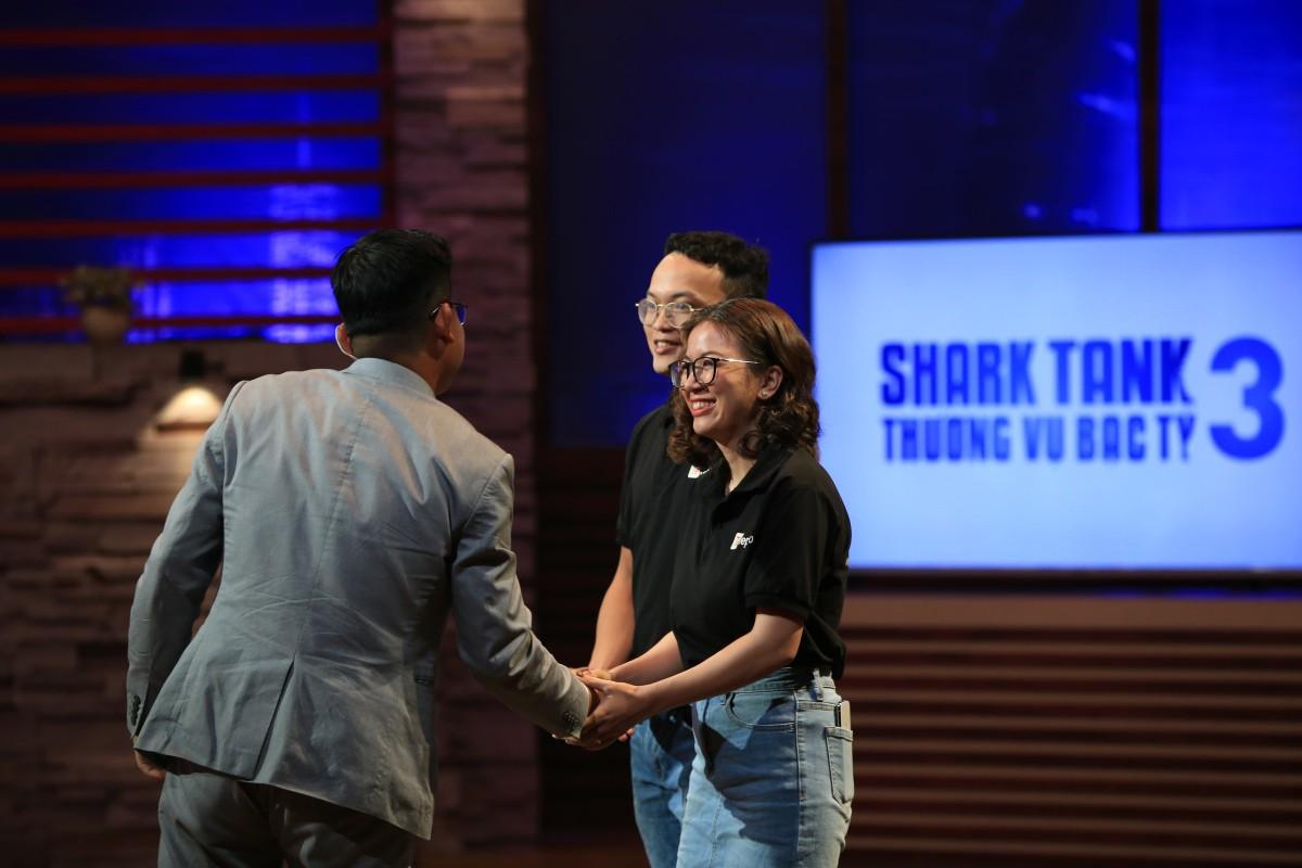 Gọi vốn 1 triệu USD trên Shark Tank Việt Nam, nền tảng 'Uber cho tele-marketing' khiến hai người tranh giành  - Ảnh 3.