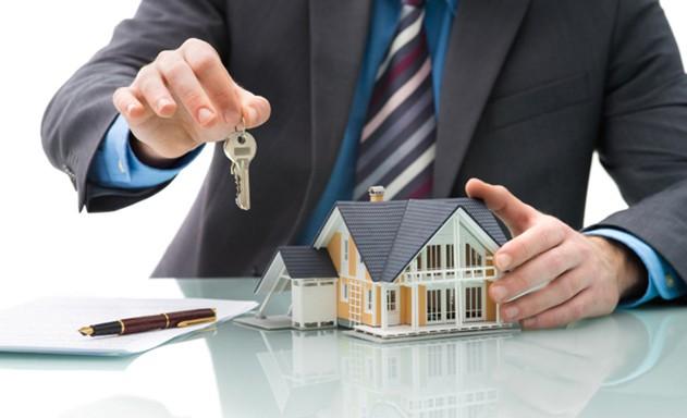 Siết tín dụng, doanh nghiệp địa ốc thấm đòn - Ảnh 1.