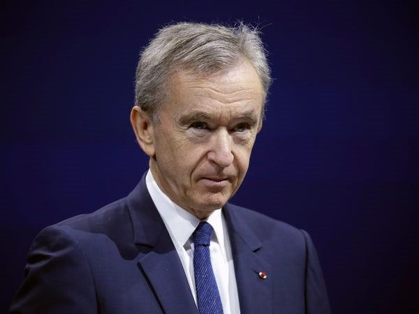 Ông trùm hàng xa xỉ kiếm và tiêu khối tài sản gần 100 tỉ USD ra sao - Ảnh 42.