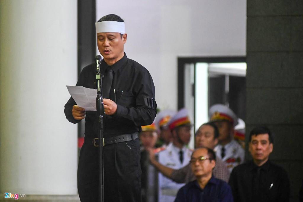 Hàng nghìn người tiễn đưa Thứ trưởng GD&ĐT Lê Hải An - Ảnh 17.